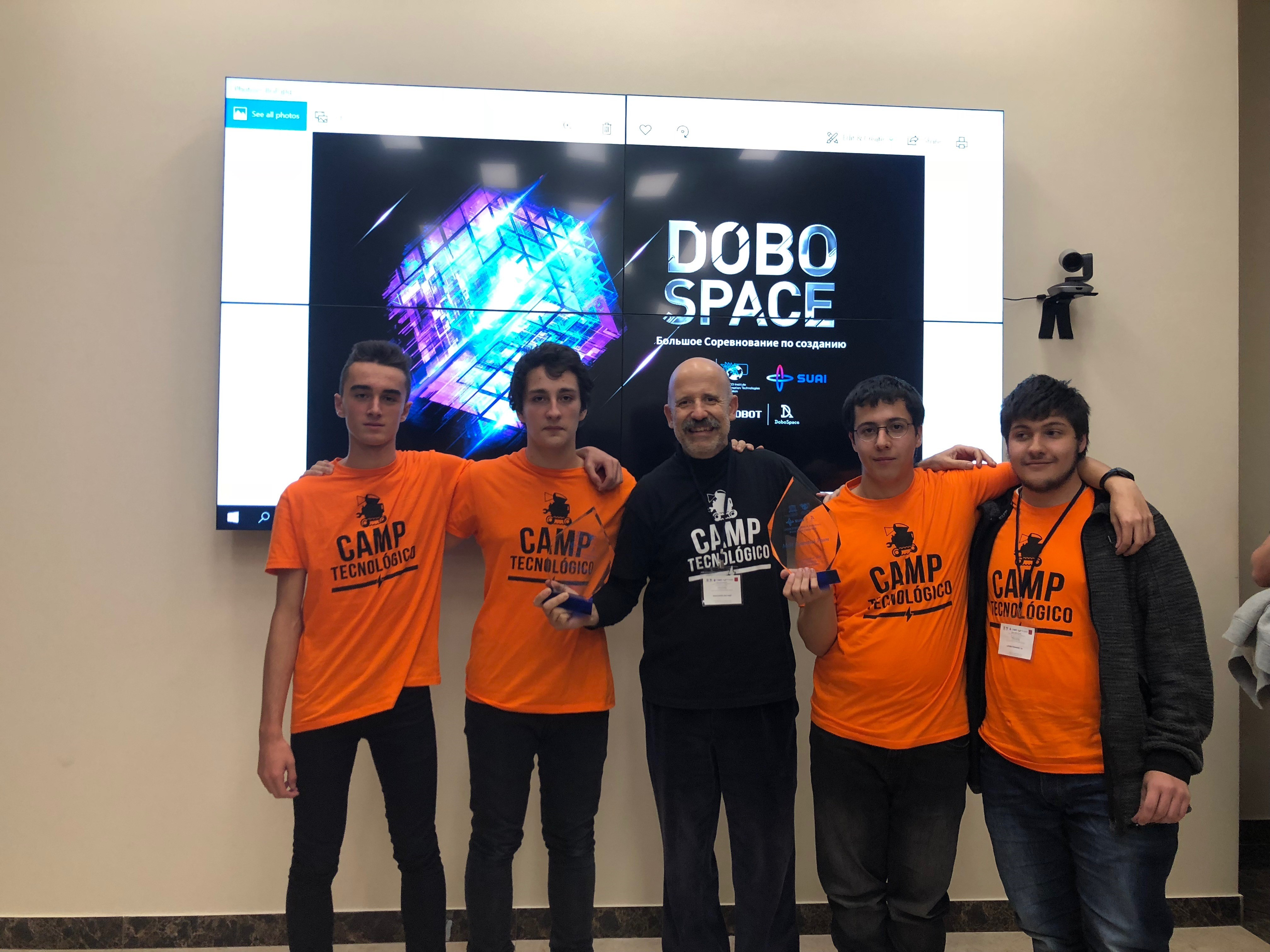 El Equipo Camp Tecnologico | Dobot Magician | UNESCO IITE 2018
