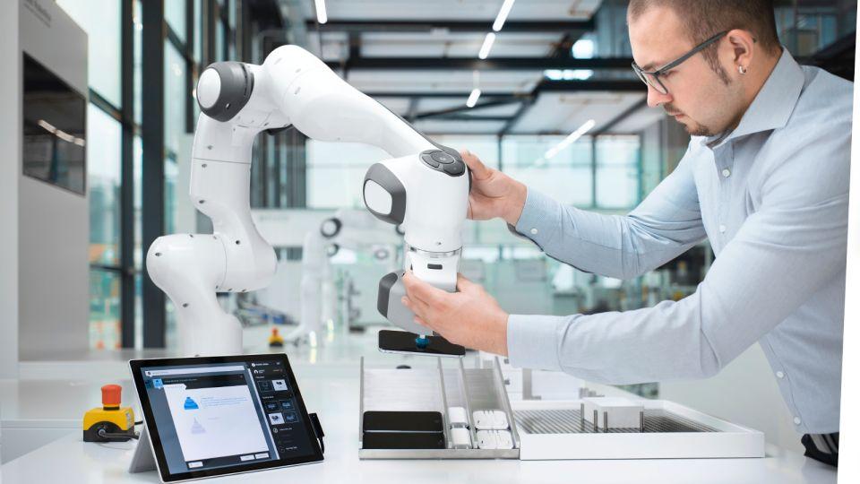 Robot Panda ofrece soluciones roboticas 360º